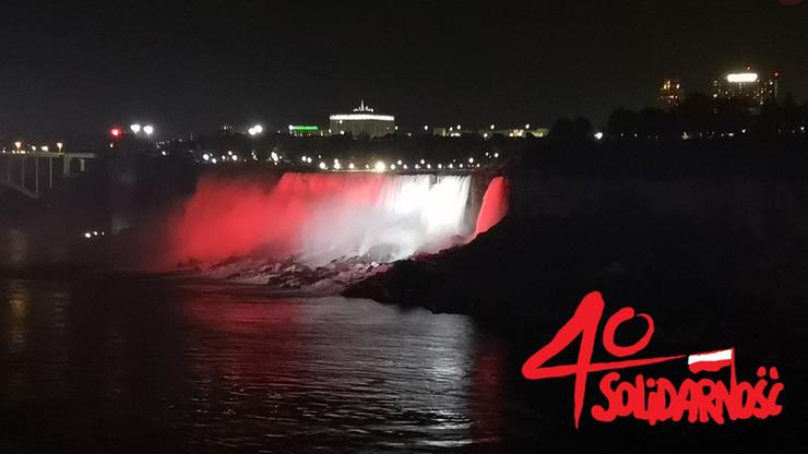 """40 widowiskowych miejsc na całym świecie z iluminacją """"Solidarności"""""""