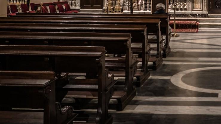 W wyniku pandemii przybywa niewypłacalnych parafii