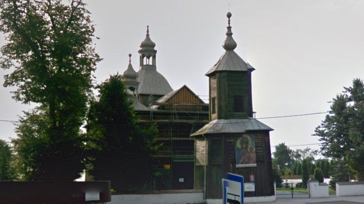 Parafianie zmusili proboszcza do opuszczenia plebanii. Wcześniej miał pobić wikarego