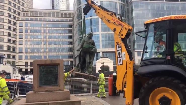 W Londynie usunięto pomnik właściciela niewolników. Na tym jednak nie koniec